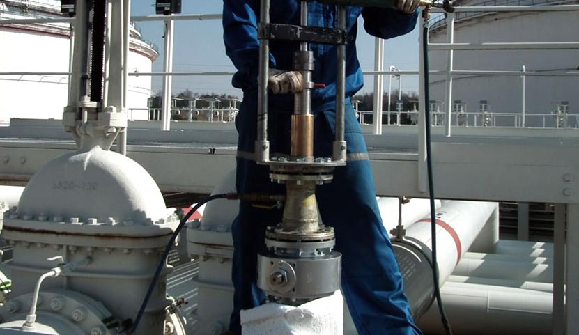 Zařízení pro navrtávání potrubí